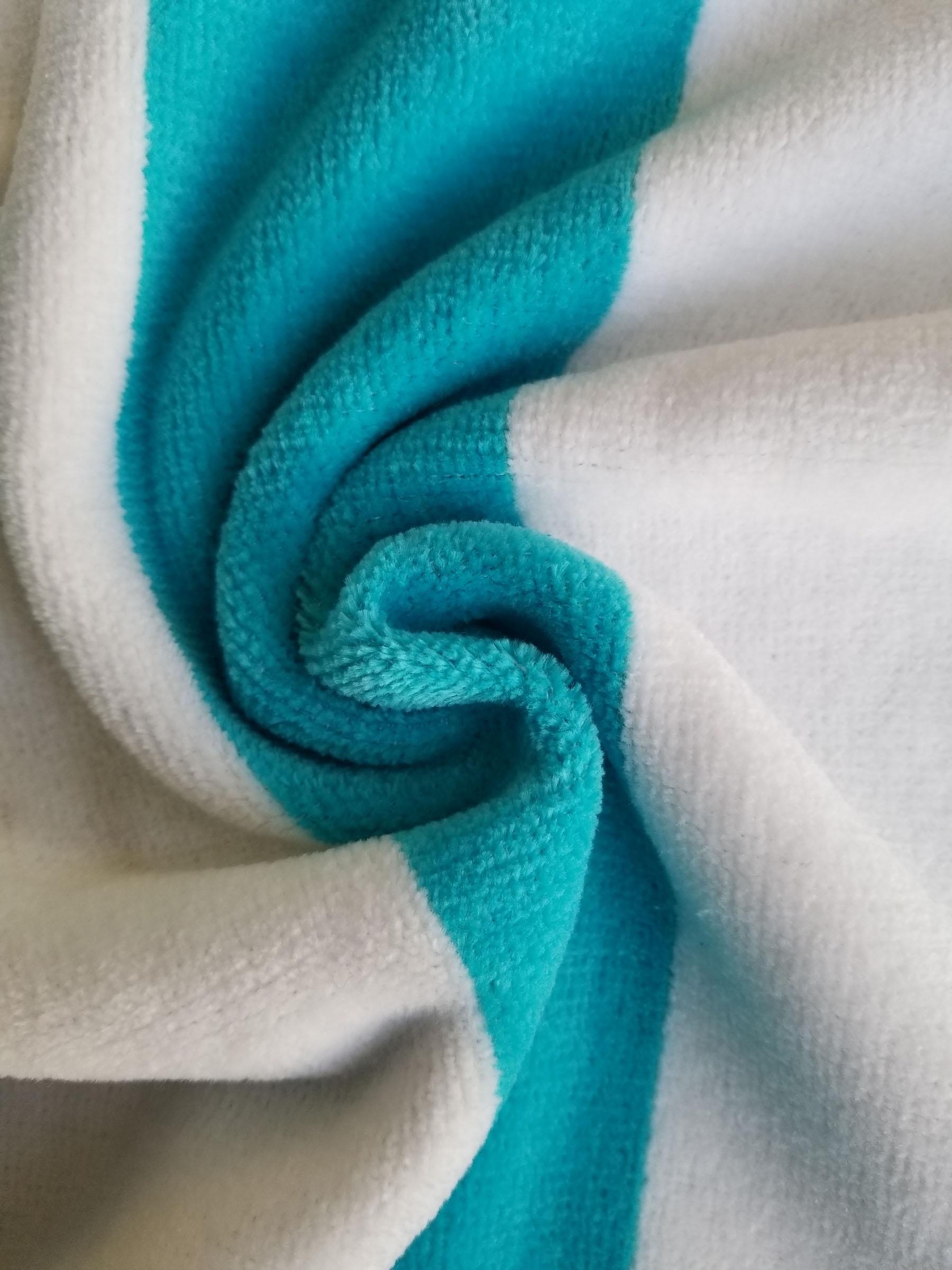 Turquoise / White1