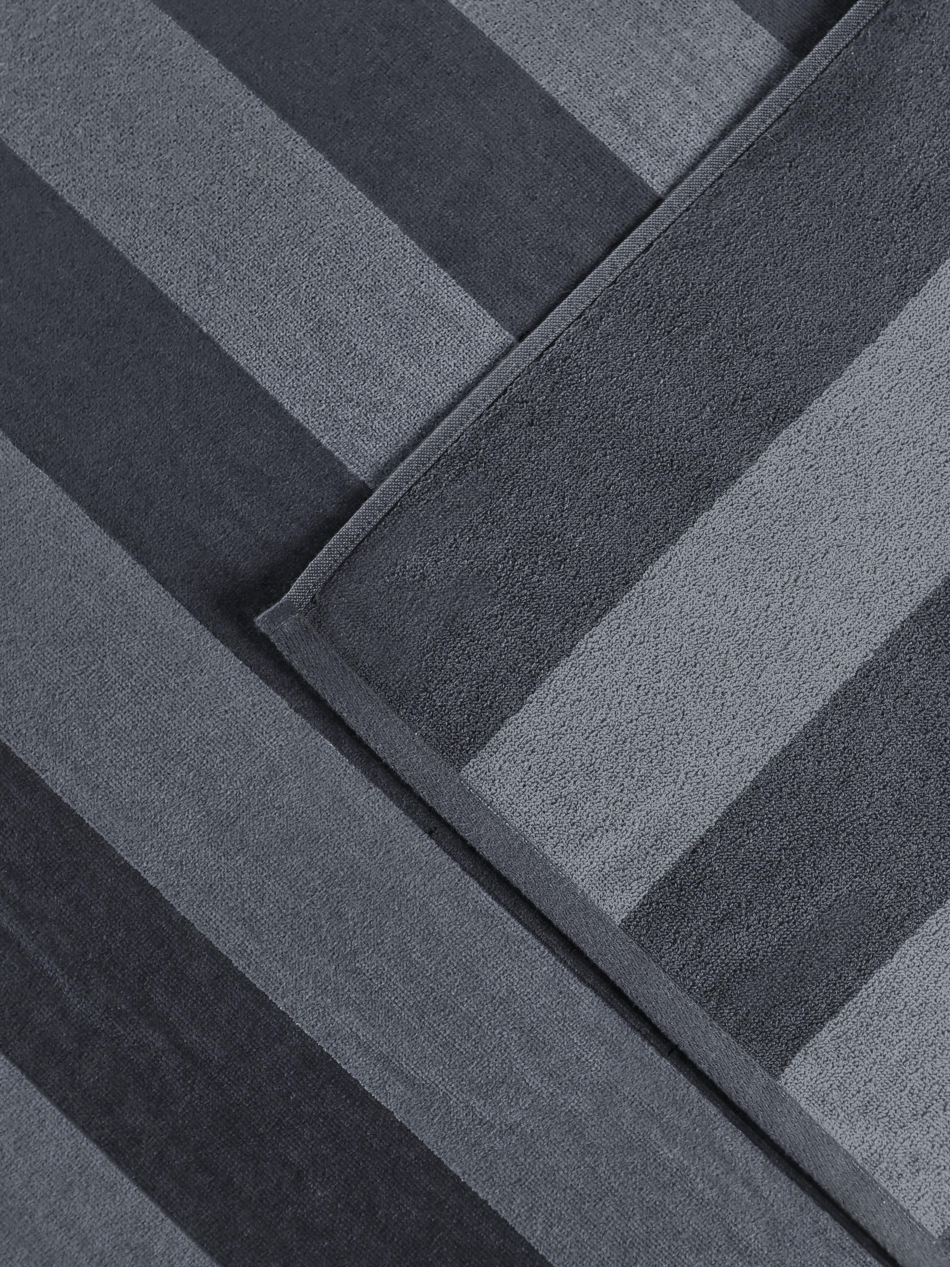 Two tone Grey